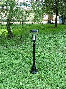 Line Your Driveway Or Walkway With This 3 5 Tall Victorian Solar Lamp Post Light To