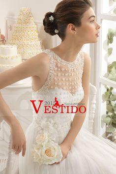 2015 Scoop Corte vestido de boda del cola de la línea de tul con la blusa moldeada