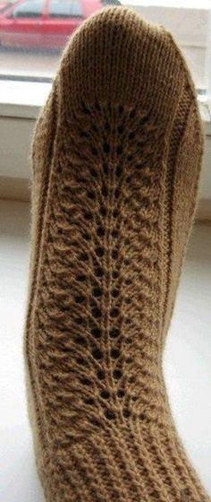 Как связать носки на двух спицах Knitting Socks, Baby Knitting, Spring Boots, Crochet Shoes, Dress Making, Knitting Patterns, Diy And Crafts, Beanie, Hats