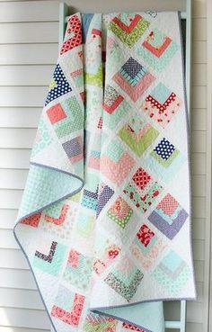 Hyacinth Quilt Designs: Quarter Log Cabin Quilt