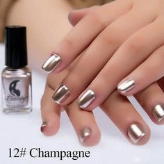 Metallic nail art designs provide the source of fashion. We all know now that metallic nails are shiny and fashionable and stylish. These silver metallic nails are sure to be eye catching. Metallic Nail Polish, Silver Nails, Gel Nail Polish, Mirror Effect Nail Polish, Mirror Nails, True Mirror, Nail Polish Storage, Nagel Hacks, French Nails