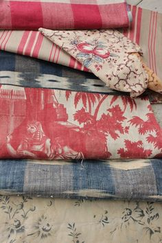 Vintage French fabrics antique material PROJECT BUNDLE 18th / 19th century  www.textiletrunk.com