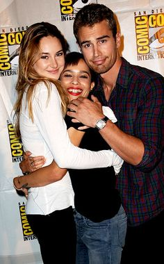 Shailene Woodley, Zoe Kravitz, and Theo James after speaking at the Ender's Game and Divergent panels