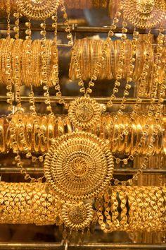 gold jewelry on dubai gold souk
