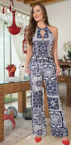African Fashion Is Hot Jumpsuit Damen Elegant, Chic Outfits, Fashion Outfits, Womens Fashion, Casual Chic, Overall, Stylish Dresses, Jumpsuits For Women, African Fashion