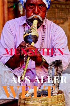 Menschen aus aller Welt. In Jaipur, Indien begegnet man ständig Schlangenbeschwörern mit ihren Schlangen mitten auf der Straße. #MenschenAusAllerWelt#Jaipur #Indien #Asien ##Schlangenbeschwörer #Schlange #Kobra Jaipur, Kobra, Ronald Mcdonald, Fictional Characters, Prince Albert, Asia, People, World, Fantasy Characters