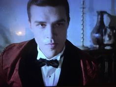 Finn as the one and only Rudolph Valentino on AHS. Just when I thought my life couldn't get better.Finn Wittrock Isn't As Gone As We Originally Thought American Horror Story Hotel, Ahs Hotel, Hotel S, Horror Books, Horror Stories, Finn Wittrock, Witches Of East End, Rudolph Valentino, Evan Peters