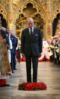 Prince Philip, Duke of Edinburgh lays a wreath on a new memorial stone during a service of dedication to Admiral Arthur Philip at Westminster Abbey on July 2014 in London, England. Prince Philip Queen Elizabeth, Queen And Prince Phillip, Princess Margaret, Royal Queen, Royal Prince, King Queen, Prins Philip, Queen Husband, Royals