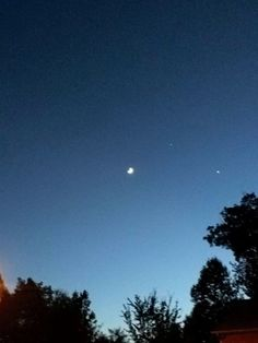 Moon, Jupiter, Venus  Trine ---8:39 pm