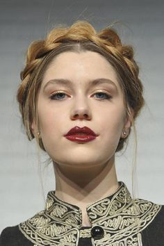 18 Outstanding Spring Braids You Need to Try Now - Milkmaid Braid - The classic milkmaid braid, like this one at Alice + Olivia, is so versatile, it can be worn casually or for a more formal affair. My Hairstyle, Pretty Hairstyles, Braided Hairstyles, Hairstyle Ideas, Trending Hairstyles, Prom Hairstyles, Beauty Makeup, Hair Makeup, Hair Beauty