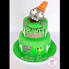 Plants vs zombies cake #plantsvszombies #plantsvszombiescake #zombiecake #pvz #pvzgw #sweetsandtreatsbychristina