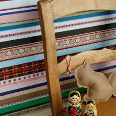 Papier-peint rubans Ribbon par Studio Ditte - The Collection Kids Room Wallpaper, Wall Wallpaper, Wallpaper Online, Wallpaper Ideas, Contemporary Nursery Decor, Boho Baby, Little Girl Rooms, Interior Paint, Interior Design