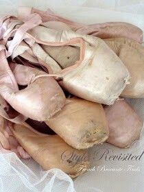 """""""The world couldn't support that many ballerinas…"""" Pointe shoes ♡"""
