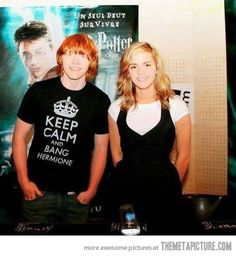 "Rupert Grint & Emma Watson Harry Potter shirt ""Keep Calm and Bang Hermione"" Ron Y Hermione, Ron Weasley, Hermione Granger, Draco Malfoy, Must Be A Weasley, Rupert Grint, Harry Potter Love, Little Doll, Mischief Managed"