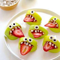 Monster apple and strawberry snack for Halloween