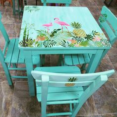 """2,616 Beğenme, 41 Yorum - Instagram'da Berna Çelikbaş (@bernahobi): """"Ekip güzel çalıştı balkon takımı hazır geri dönüşüm #cadenceverychalky #tropikal #masa #bahçe…"""""""