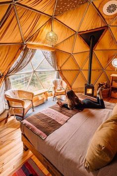 Reasonable Honeymoon Ideas For Your Rest ❤ See more: www. 12 Amazing Cheap Honeymoon Ideas For Your Rest KPB saschakara Travel - Vacation Musts Reasonable Honeymoon Ideas For Your Rest ❤ See m Cheap Honeymoon, Honeymoon Ideas, Yurt Living, Living Spaces, Geodesic Dome Homes, Dome Tent, Dome House, Luxury Camping, Beach Camping