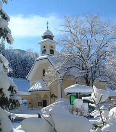 Hinterstoder, Kirche Kreuzerhöhung (Kirchdorf an der Krems) Oberösterreich AUT Cozy Christmas, Kirchen, Austria, Switzerland, Beautiful Places, To Go, Europe, Faith, Mansions