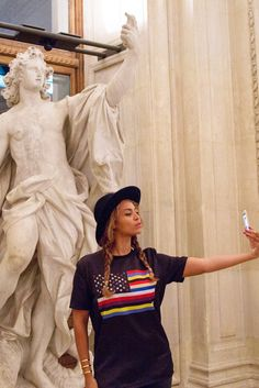 No Picture Matters More Than Beyoncé And Jay Z Posing In Front Of The Mona Lisa