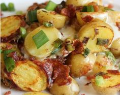 Bacon Cheese Potatoes | This potato side dish recipe is perfect for crowds, so bring it to a potluck!