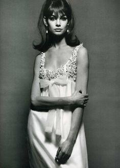 Jean Shrimpton Vogue December 1964, Nina Ricci