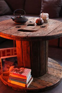 From cable spool to living room table