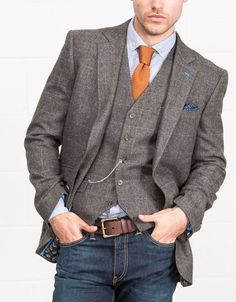 Tweed blazer and matching waistcoat. Nice, but better without windowpain check, and can achieve same look with plain waistcoat (eg moleskin) Slaters Collection // Heritage Tweeds Blazer Outfits Men, Casual Outfits, Fashion Outfits, Men's Fashion, Fashion Styles, Mode Masculine, Mens Fashion Suits, Mens Suits, Stylish Men