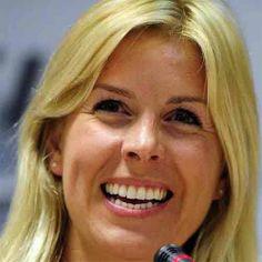 MARÍA DE VILLOTA (13/01/1980 — 11/10/2013)