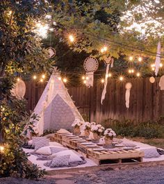 Planning an outdoor summer wedding? Get comfy and casual for your bridal shower … Planning an outdoor summer wedding? Get comfy and casual for your bridal shower …,zeki dogumgunu Planning an outdoor summer wedding? Outdoor Wedding Foods, Outdoor Wedding Centerpieces, Wedding Decorations, Bohemian Party Decorations, Shower Centerpieces, Wedding Ideas, Outdoor Decorations For Party, Diy Wedding, Outdoor Weddings