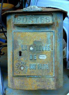 Flea w/me Monday 5-21 FleaingFrance  French post box w/rotating dials
