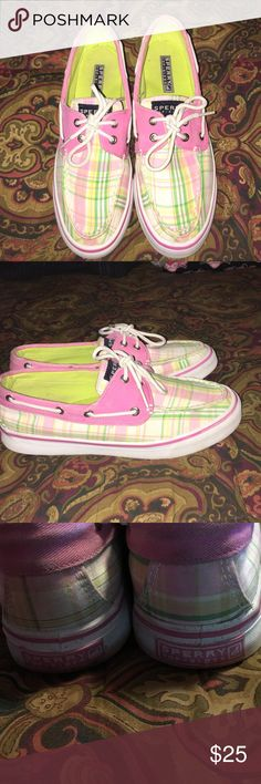 Plaid Sperry Top Sider Boat Shoes These shoes are so cute and in great condition. They are very clean as seen in pics. The bottom outside rubber have normal wear stains as pictured. Inside clean as well. 💕💕 Sperry Top-Sider Shoes Sneakers