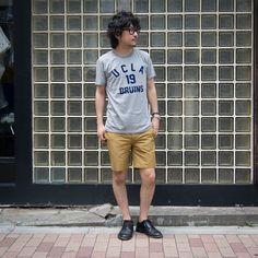 """ご好評頂いておりますSaleアイテム。 中でも人気No,1のTシャツを着用してのスナップ! [AUD1594] http://www.aud-inc.com/product/1720 UCLAの許諾を取りプリントを施した""""本物""""のカレッジプリントT。 ふんわり柔らかな着心地も◎!! この夏のヘビーローテーション間違いなしです!!  *Coordinate Item* Shorts [AUD3284] http://www.aud-inc.com/product/1728  昨日には関東地方も梅雨明け、本日も暑さの厳しい日中となっております。 熱中症等、お気をつけてのご来店を、20時までの営業にてお待ち致しております!"""