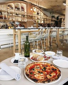 Best Pizza Restaurants In Toronto - Narcity You are in the right place about keto Pizza Here we offer you the most beautiful pictures about the Pizza crust you are looking for. When you examine the Be Pizza Restaurant, Pizzeria, Restaurant Themes, Restaurant Design, Toronto Vacation, Toronto Travel, Pizza Food Truck, Ontario Travel, Healthy Pizza