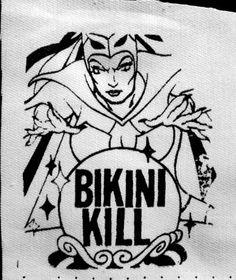 Bikini Kill boule de cristal féministe Riot Grrrl par massmedia