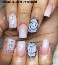A twist on the beautiful classic french #thenailsroom #uñas #uñasacrilicas #uñasdecoradas #whitenails #frenchnails #nailswag #notpolish #nailaddict #nailprodigy #acrylic #acrylicnails #squarenails #glitternails #prettynails #nailsofinstagram #youngnailsinc #youngnailsacrylic #mediumnails #flowernails #3dnailart