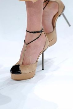Calvin Klein presented minimalism at its very best, pairing the collection with these dainty T-straps we adore.