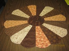 Brown Dresden Plate Table Topper/Dresden plate topper/brown Dresden Topper/Candle mat/Dresden mini quilt/Autumn Dresden topper Item #58