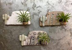 pottery classes Ceramic Southwest Adobe House Magnet with Air Plant Planter Ceramic Houses, Ceramic Clay, Ceramic Painting, Slab Pottery, Ceramic Pottery, Diy Clay, Clay Crafts, Adobe Haus, Creation Deco