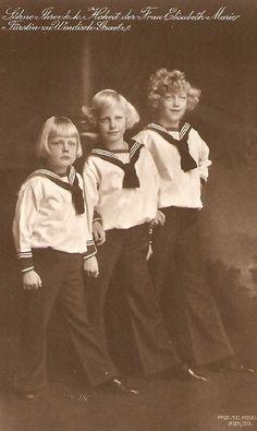 Prince Franz Josef de Windisch-Graetz (1904-1981),  Prince Ernst Weriand de Windisch-Graetz (1905-1952) Prince Rodolphe Johannes de Windisch-Graetz (1907-1939) fils du prince Otto de Windisch-Graetz et de l'archiduchesse Elizabeth d'Autriche