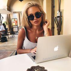 @beyandall in Carmen Noir sunglasses from Beyandall.com