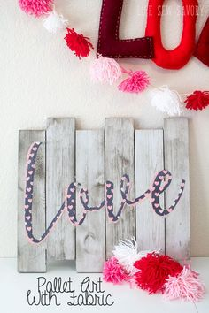 Pallet Art with Fabric for Valentines or any occasion. Cut Fabric on your Scan N… Pallet Art with Fabric for Valentines or any occasion. Cut Fabric on your Scan N Cut or other electronic cutting machine for perfect lines Pin: 700 x 1050 Valentines Day Decorations, Valentine Day Crafts, Holiday Crafts, Funny Valentine, Easy Crafts, Arts And Crafts, Easy Diy, Pallet Art, Diy Pallet