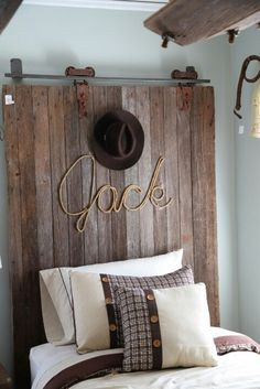 Cowboy room: barn door headboard w/rope name Cowboy Bedroom, Cowgirl Room, Boys Cowboy Room, Western Bedrooms, Bedroom Country, Kids Bedroom, Bedroom Decor, Bedroom Ideas, Wall Decor