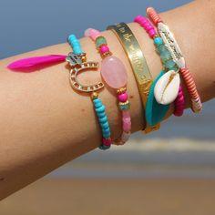 ibiza armbandjes met schelpjes arm party