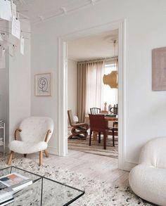 Inspiration - Chinoiserie De Gournay Wallpaper, Chinoiserie, Oversized Mirror, Inspiration, Furniture, Home Decor, Biblical Inspiration, Decoration Home, Room Decor