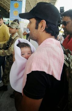 MS Dhoni With her Daughter Ziva Dhoni