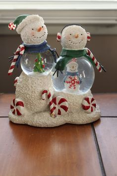 Adorable Snow Globe Men
