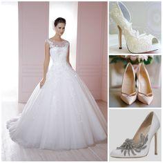 Yun Serrano Ortega. Debido al largo de tu vestido es muy importante que utilices tacones altos, te dejamos tres opciones, dinos cuál te gusta más para seguir en la búsqueda de sugerencias. :D