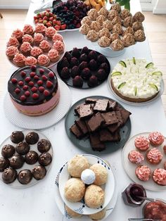 Cake Table, Dessert Table, Food 52, Let Them Eat Cake, Baked Goods, Food To Make, Cravings, Sweet Tooth, Sweets