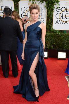AMBER HEARD Se saca un 10 con este fabuloso vestido Versace.
