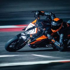 2020 KTM 1290 Super Duke R To Be Showcased At The 2019 India Bike Week - Real Time - Diet, Exercise, Fitness, Finance You for Healthy articles ideas Street Fighter Motorcycle, Cool Motorcycle Helmets, Cool Motorcycles, The Beast, Ktm Duke, Modern Cafe Racer, Triumph Speed Triple, Best Gas Mileage, Motorcycle Manufacturers